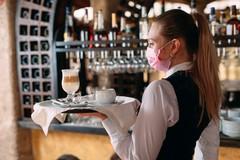 Si torna al bar e al ristorante, e riaprono cinema e teatri. Cosa cambia in Puglia da oggi