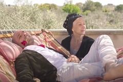 """Il Coronavirus per Checco Zalone, ecco """"La Vacinada"""" con Helen Mirren"""