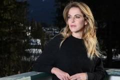Prima udienza al Tribunale di Trani per Claudia Gerini: e non è un film