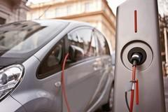Sosta gratuita nelle aree a pagamento per i possessori di auto elettriche