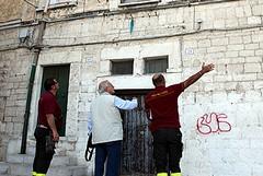 Crepe nei muri, paura in via Alvarez