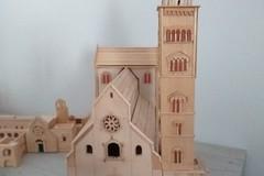 Riproduce in legno la Cattedrale di Trani: l'autore è Domenico Tortosa