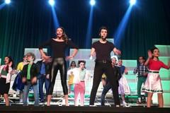 """Danny e Sandy: grande successo per lo spettacolo dell'associazione """"A Mille ce n'è"""""""