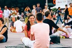Eye contact, l'esperimento sociale anche a Trani