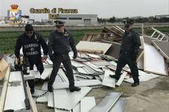 Guardia di finanza, sequestrata una discarica abusiva di rifiuti speciali