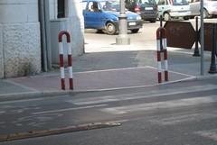 A Trani si sistemano i marciapiedi senza tener conto degli scivoli per disabili
