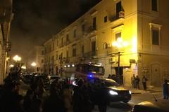Corso Cavour, in fiamme la canna fumaria