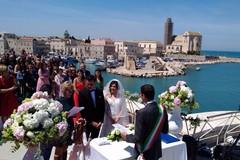 Matrimoni civili, celebrato il primo sul fortino della villa comunale