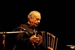 Trani e Astor Piazzolla, liceo De Sanctis e commenti contro don Dino: le pagelle