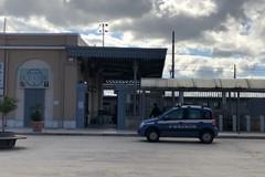 Atti osceni in presenza di due donne nella stazione di Trani, multato un uomo
