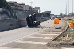 Auto ribaltata sulla statale 16bis, ferito un 30enne