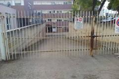 Ospedale, due salme nell'obitorio ma i cancelli restano chiusi