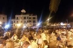 Torna la cena in bianco: appuntamento il 2 settembre in piazza Quercia