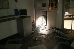 Bomba al bancomat: paura all'ufficio postale di corso Manzoni
