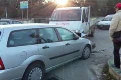 Incidente al semaforo di Capirro, traffico bloccato