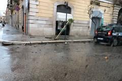 Auto contro albero in via Aldo Moro, l'incidente questo pomeriggio