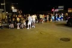 Passaggio a livello di via Corato: centinaia di persone bloccate dalle sbarre
