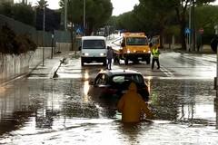 Trani in tilt per il maltempo tra allagamenti e traffico bloccato