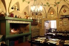 L'osteria Caccianferno compie 25 anni: a Trani dal 1994