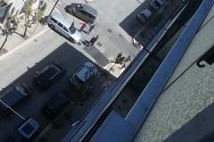 Ancora troppe auto in giro e in via Aldo Moro si verifica l'ennesimo incidente