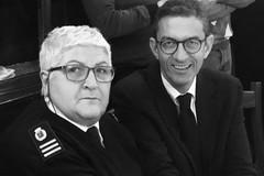 Trenta anni di servizio, in Comune si festeggia il pensionamento dell'agente di polizia locale Pina De Feudis
