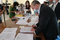 Stabilizzazioni nella Asl Bt: ecco le prime 74 firme a tempo indeterminato