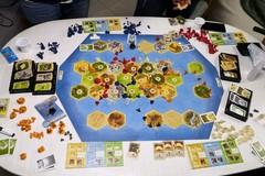 """Pochi a Tombola? Tra Monopoli, Risiko e novità come i """"Coloni di Catan"""" è salva la tradizione di giocare insieme"""