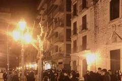 Feci, urine, urla e assembramenti: l'anarchia nei vicoli del centro storico