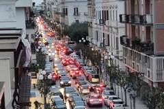 """Trani zona gialla, parte il weekend da """"liberi tutti"""" tra caos e traffico in tilt"""