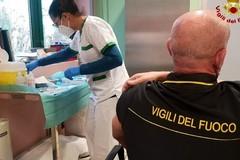 Covid, anche nella Bat avviata la campagna vaccinale per i Vigili del fuoco
