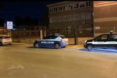 Tre ragazzini tentano furto nella scuola Bovio: messi in fuga dalla Polizia