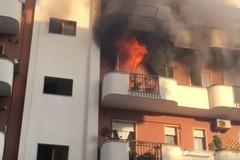 Fiamme da un appartamento in via Ugo la Malfa: nessun ferito grave