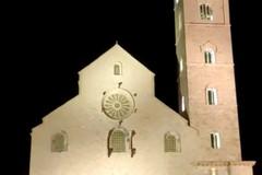 La Cattedrale di Trani torna ad illuminarsi...ma di verde!