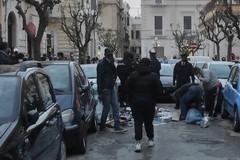 Aggressione in via Baldassarre, s'indaga su precedenti episodi di contrasto tra le parti coinvolte