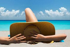 Le agognate vacanze non sono per tutti: ma è davvero quella la felicità?