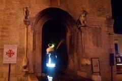 Chiesa di San Giacomo, i vandali danno fuoco al portale