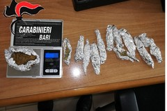 Spacciava droga in via Papa Giovanni, arrestato 22enne tranese