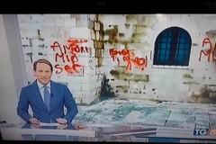 Scritte sulla cattedrale di Trani, la notizia diventa un caso nazionale