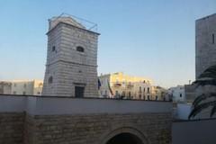Antenna di via Alvarez, il Tar respinge il ricorso per evitare l'allocazione sull'immobile di fronte al Castello Svevo