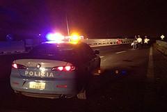 Incidente sulla 16 bis, scontro tra due auto nella notte