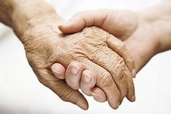 Un aiuto per le persone anziane e sole, ecco il Barattolo della Salute