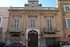 Biblioteca, al via una raccolta fondi per il recupero del patrimonio librario di Palazzo Vischi