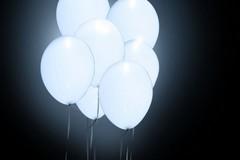 Niente palloncini bianchi a mezzanotte!