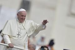 Arcidiocesi, monsignor D'Ascenzo incontra i giovani in partenza per Roma