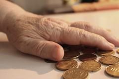 Famiglie senza sussidi, anziani con pensioni basse o sfrattati: aumenta la povertà a Trani