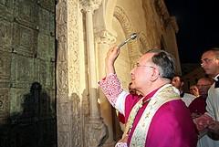 Nuova porta bronzea: la cerimonia è costata 9.300 euro