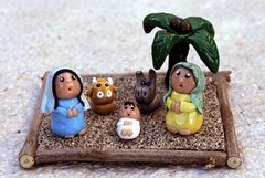 Trani, l'idea per il Natale: il presepe di fimo