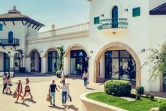 Puglia Outlet Village di Molfetta inaugura i nuovi spazi New Balance e Ciesse Piumini