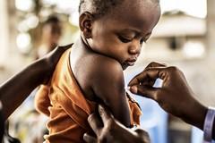 Vaccini per 240 bimbi africani: la gioia di un dono di una classe dedicato alle proprie maestre