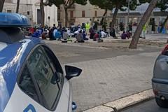 La comunità  musulmana riunita nel rito finale del Ramadan all'alba in piazza Gradenigo